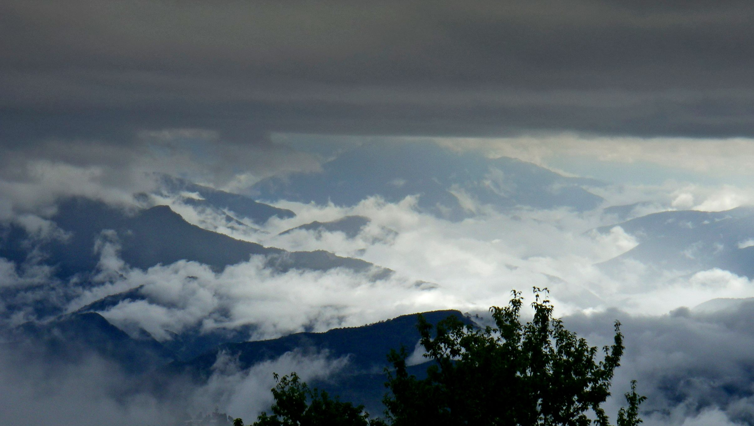 Silvia Wolken Berge P
